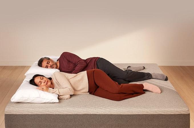 Couple sleeping on Casper Nova Foam mattress