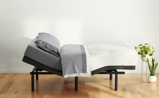 Adjustable bed frame