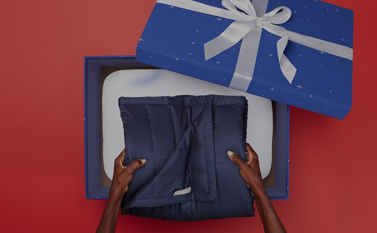 Unboxing a Casper gift box